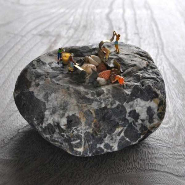 tiny-stone-sculptures (12)
