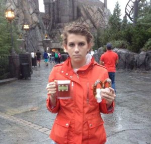 This Girl Isn't Thrilled With Disney World (25 photos) 1