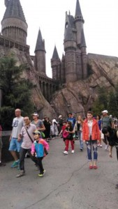 This Girl Isn't Thrilled With Disney World (25 photos) 17