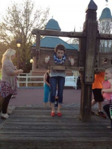 This Girl Isn't Thrilled With Disney World (25 photos) 20