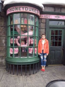 This Girl Isn't Thrilled With Disney World (25 photos) 4