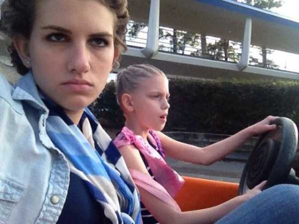 This Girl Isn't Thrilled With Disney World (25 photos) 8