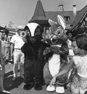 Disneyland Used to be Kinda Creepy (23 photos) 16