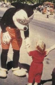 Disneyland Used to be Kinda Creepy (23 photos) 23
