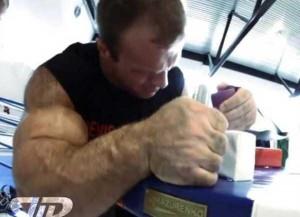 Meet the Real-Life Hulk from Ukraine (13 photos) 13
