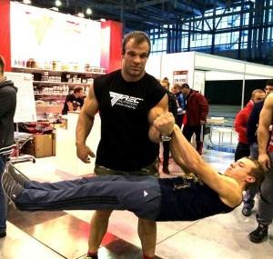 Meet the Real-Life Hulk from Ukraine (13 photos) 3