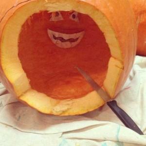 Horrible Halloween Pumpkin Carving Fails (26 photos) 10
