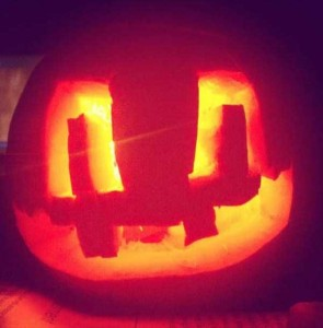 Horrible Halloween Pumpkin Carving Fails (26 photos) 2