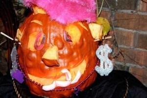 Horrible Halloween Pumpkin Carving Fails (26 photos) 20