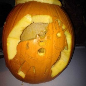 Horrible Halloween Pumpkin Carving Fails (26 photos) 22