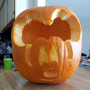 Horrible Halloween Pumpkin Carving Fails (26 photos) 25