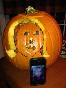 Horrible Halloween Pumpkin Carving Fails (26 photos) 7