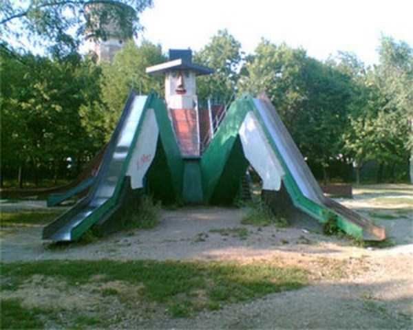 inappropriate-playgrounds-for-kids (16)