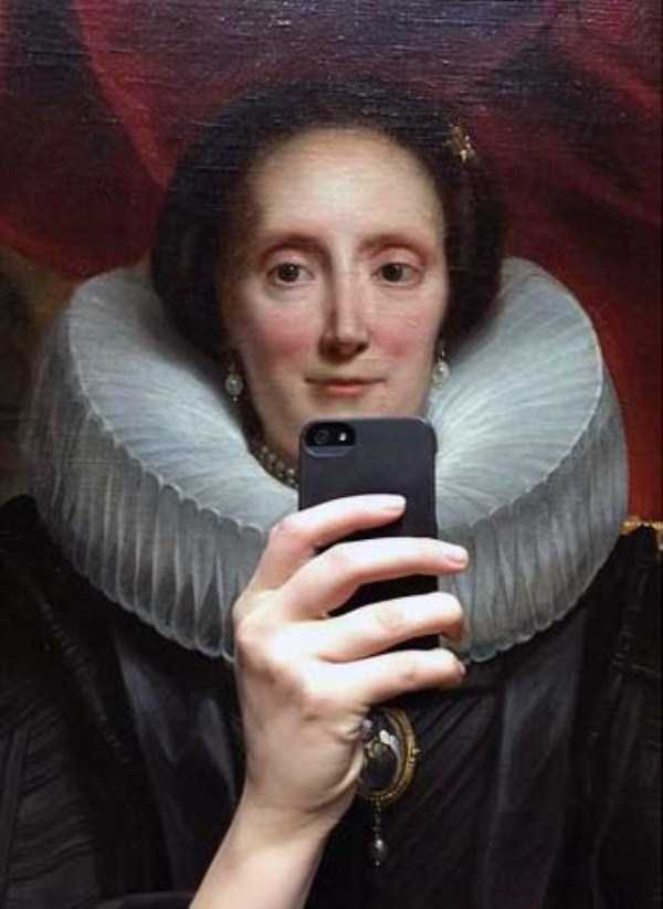 old-paintings-taking-selfies (1)