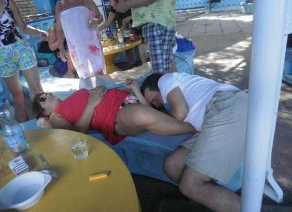 people-can-sleep-everywhere (28)