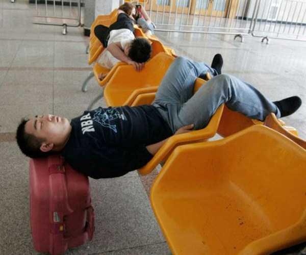 people-can-sleep-everywhere (8)