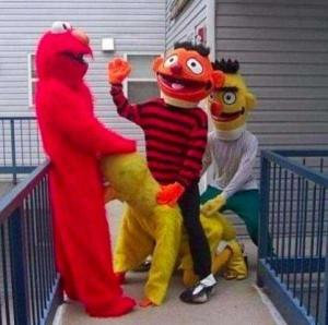 Sesame Street Gone Really Bad (23 photos) 23