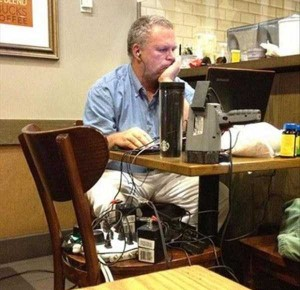 24 WTF Things Spotted at Starbucks (24 photos) 10