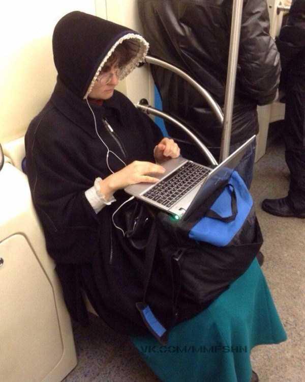 weird-subway-fashion (2)