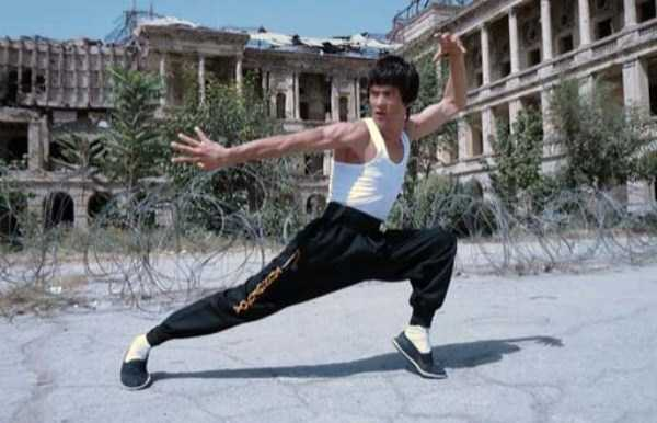 Afghan Man Who Looks Exactly Like Bruce Lee (31 photos) 30