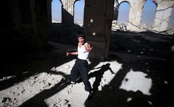 Abbas-Alizada-Afghan-Bruce-Lee (5)