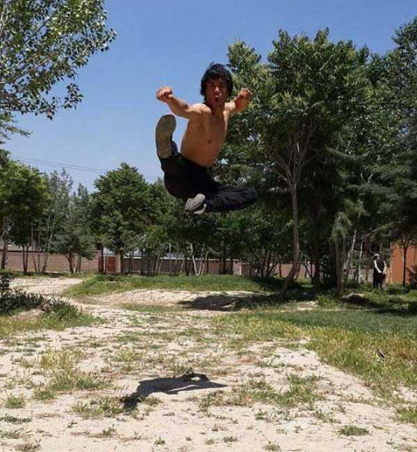 Abbas-Alizada-Afghan-Bruce-Lee (6)