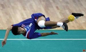 Sepaktakraw: Weird Yet Cool Sport From Asia (27 photos) 5