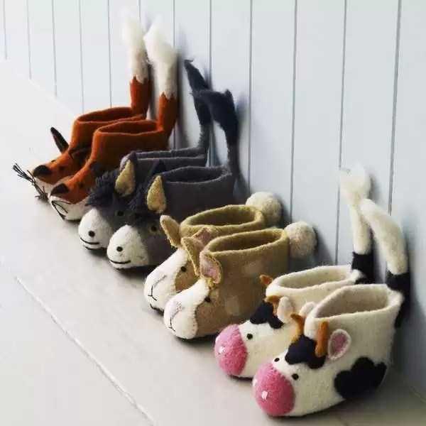 funny-designed-slippers (18)