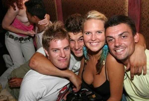 Funny Photobombs Are Always Welcome (27 photos) 25