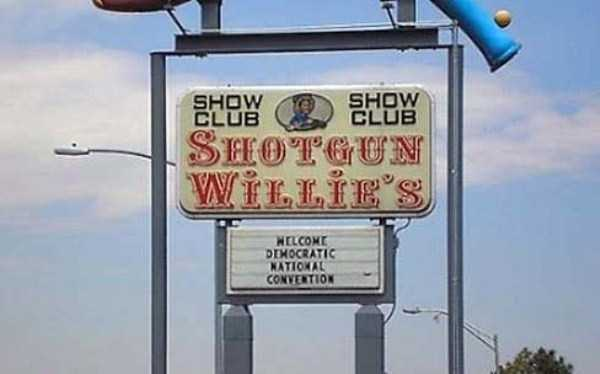 funny-strip-club-names (7)