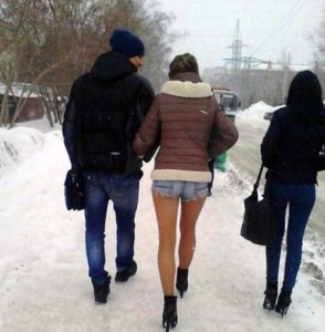 Girls Who Are Not Afraid of Cold Weather (34 photos) 11