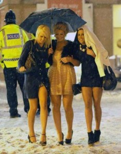 Girls Who Are Not Afraid of Cold Weather (34 photos) 27
