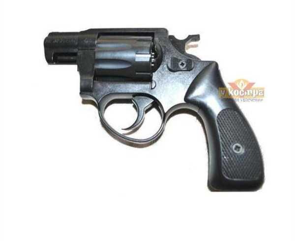 handguns-and-revolvers (1)