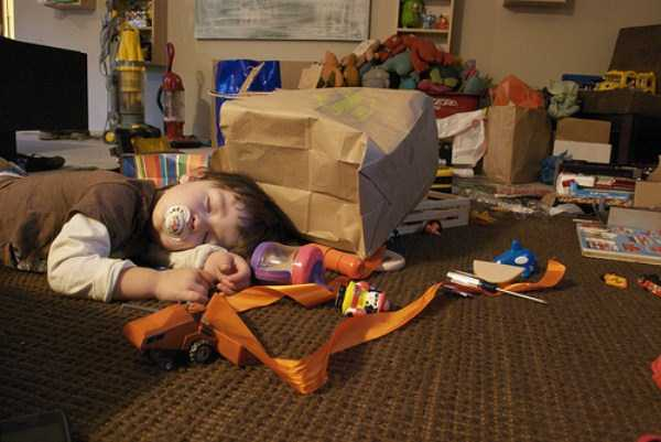 kids-can-sleep-anywhere (10)
