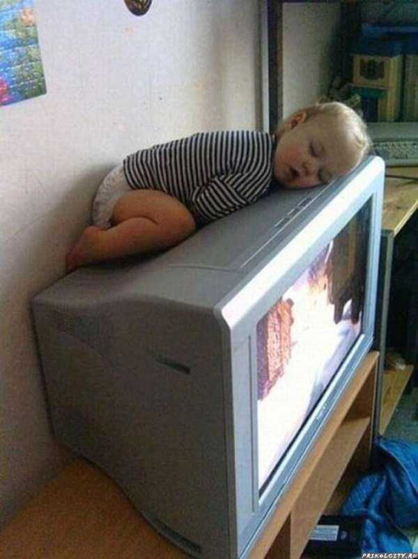 kids-can-sleep-anywhere (2)