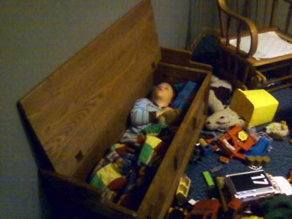 kids-can-sleep-anywhere (22)