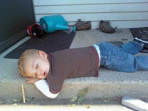 kids-can-sleep-anywhere (34)