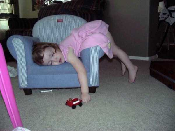 kids-can-sleep-anywhere (43)