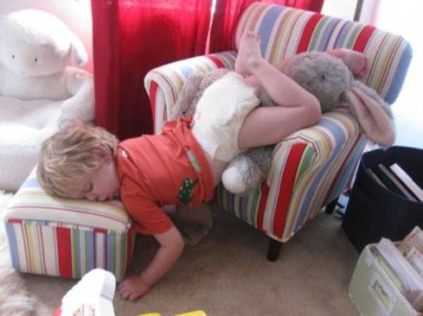 Kids Can Fall Asleep Anywhere (85 photos) 84