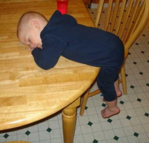 kids-can-sleep-anywhere (9)