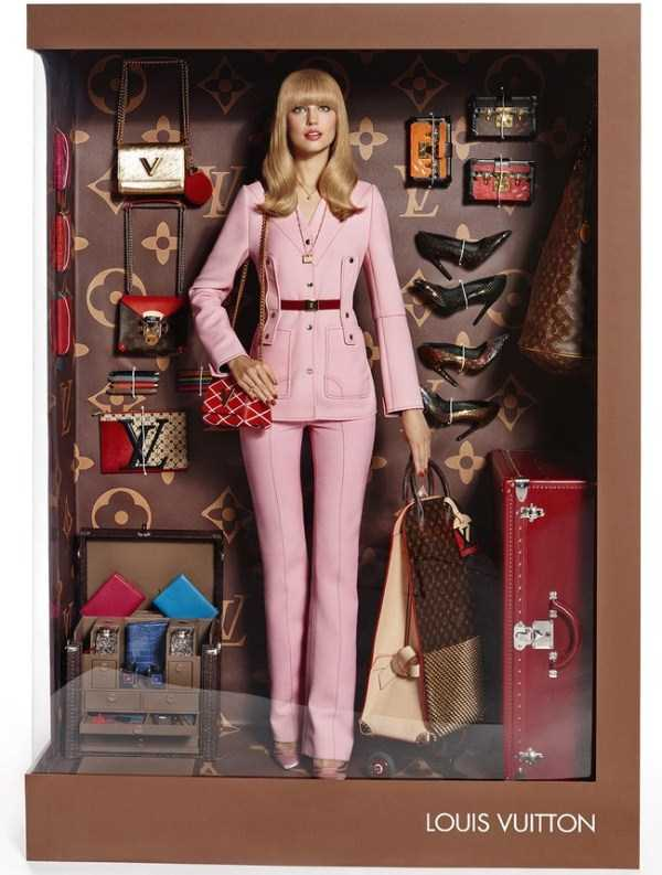 models-posing-like-dolls (3)