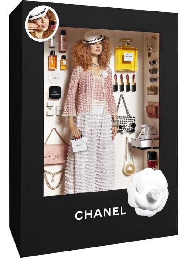 models-posing-like-dolls (9)