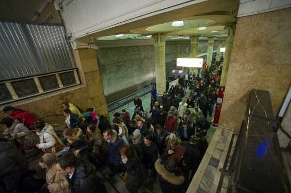 Just an Ordinary Day in the Moscow Metro (19 photos) 15