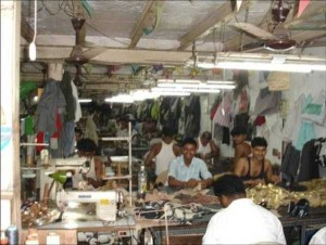 Production of Women's Glamorous Shoes in India (17 photos) 12