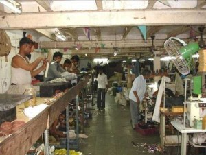 Production of Women's Glamorous Shoes in India (17 photos) 15