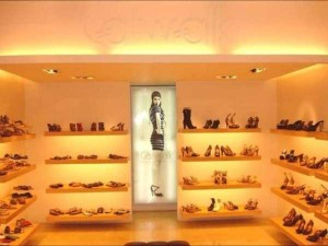 Production of Women's Glamorous Shoes in India (17 photos) 2