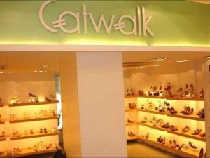 Production of Women's Glamorous Shoes in India (17 photos) 3
