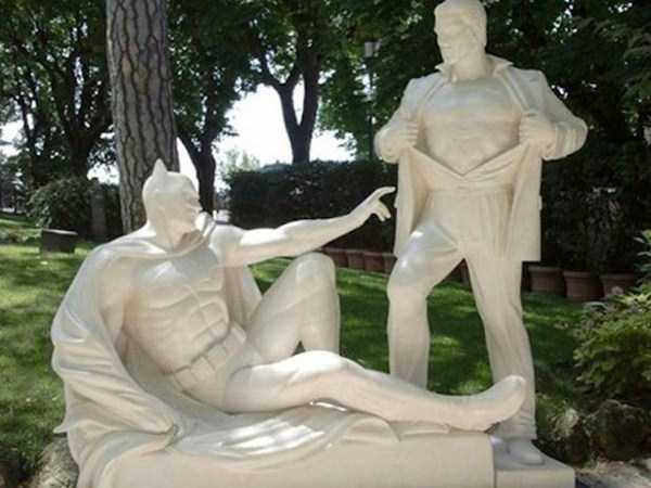 strange-and-bizarre-statues (1)