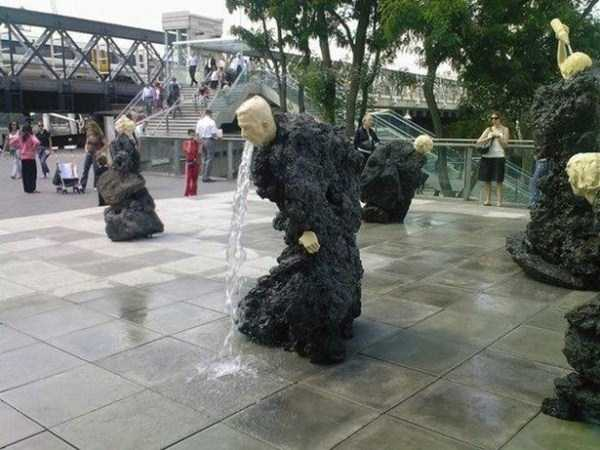 strange-and-bizarre-statues (10)