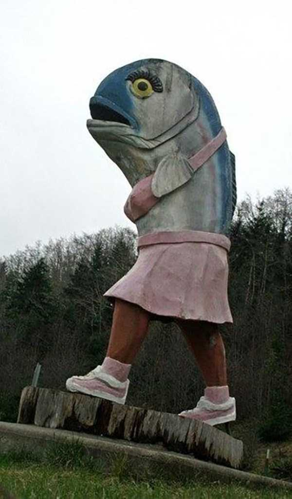 strange-and-bizarre-statues (20)